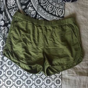 Madewell Pull On Shorts Size L, Olive